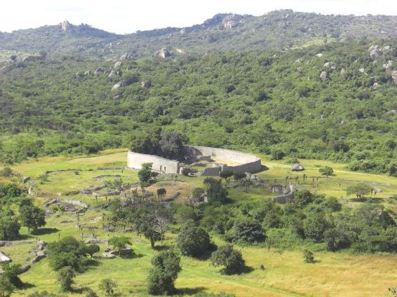 10:10ジンバブエ神殿跡
